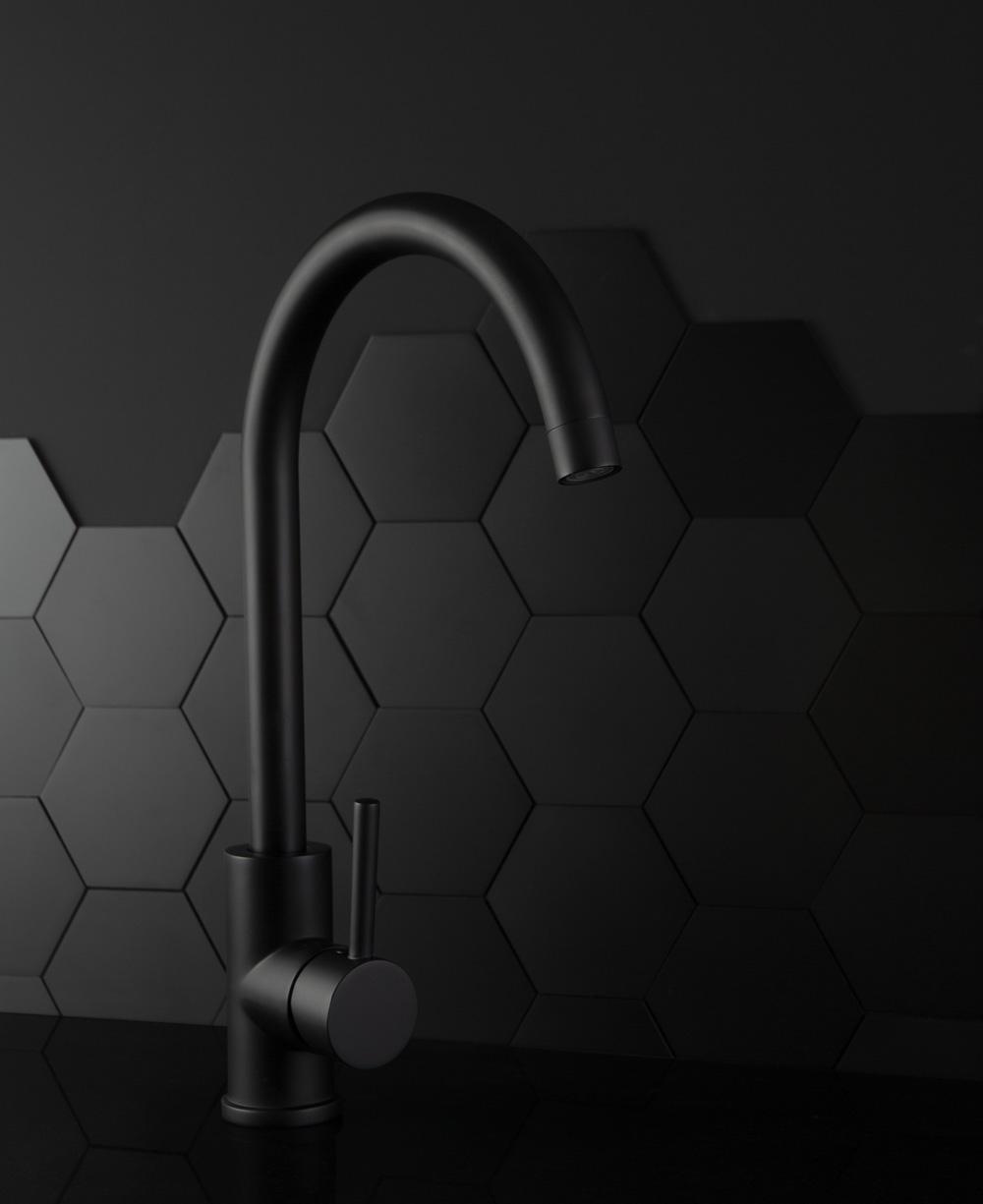 Interior design trends for autumn winter 2019 - black kitchens