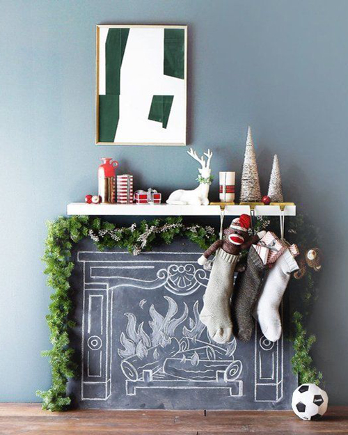 How to decorate your fireplace at Christmas