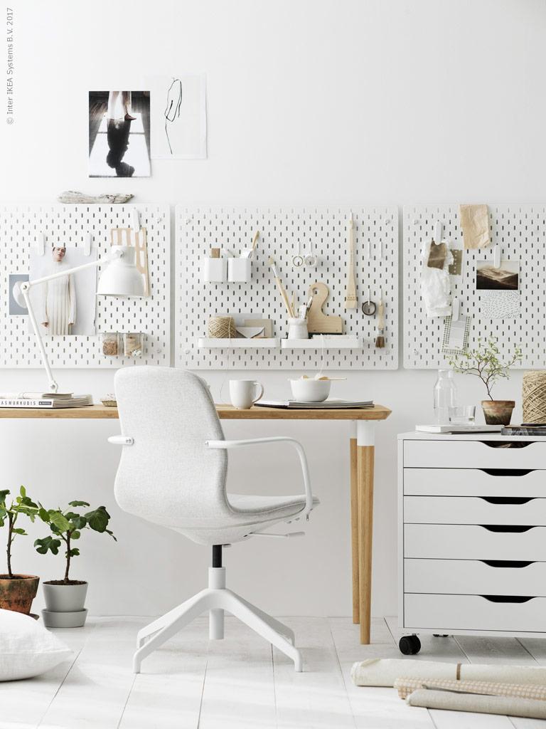 Organised Office photographed by Ragnar Omarsson via Ikea Livet Hemma